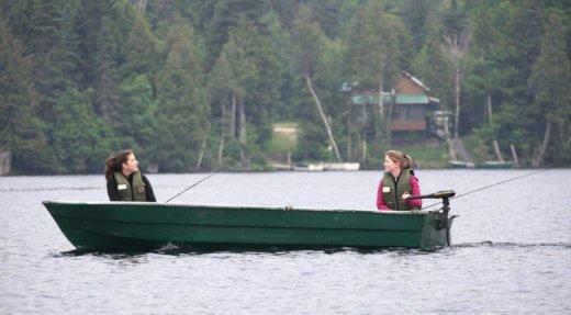 La pêche, ça rapproche le monde…juste assez!